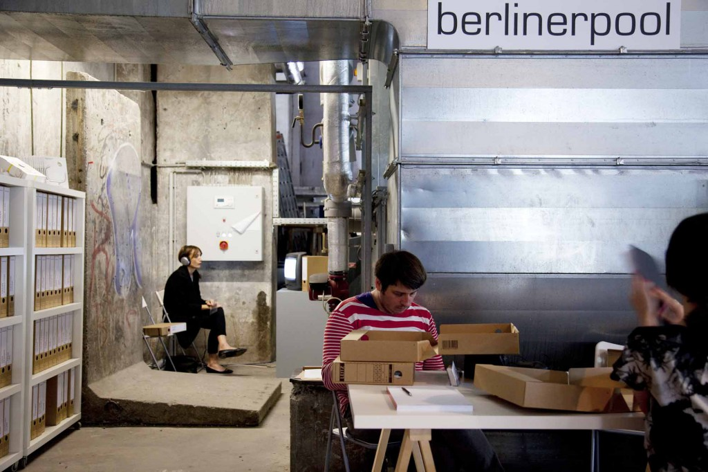 Art Fair in Berlin invited Berlinerpool Arts Network with its mobile archive to desing space, prepare a program and interact with art interested public.